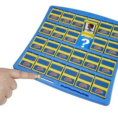 Hasbro C2124 Bil Bakalım Kim Kutu Oyunu