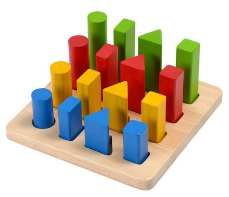 Plan Toys Geometrik Çubuk Tahtasi (Geometric Peg Board) 5125