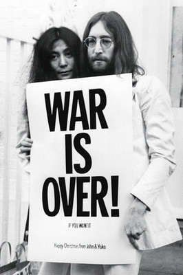 Pyramid International Maxi Poster - John Lennon War Is Over