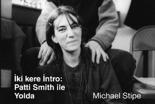 İki Kere İntro: Patti Smith ile Yolda