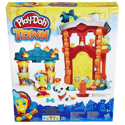 Play-Doh Town İtfaiye Merkezi B3415