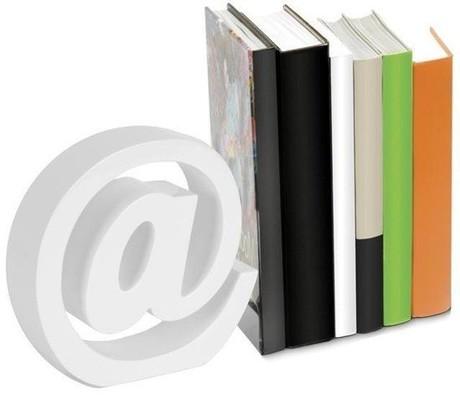 Nektar Beyaz Ahşap Kitap Tutucu